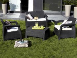Comment choisir astucieusement les meubles de son jardin for Salon de jardin en resine leroy merlin