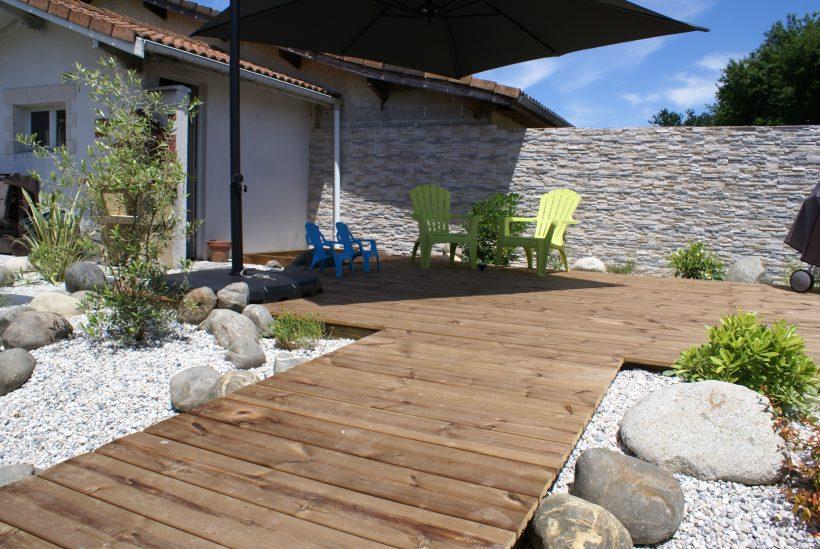comment faire une belle terrasse en bois en utilisant des